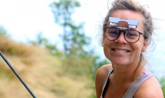 Tipp für Brillenträger: Der Clip Up Aufsatz kann auf jede beliebige Brille aufgeklippt werden.