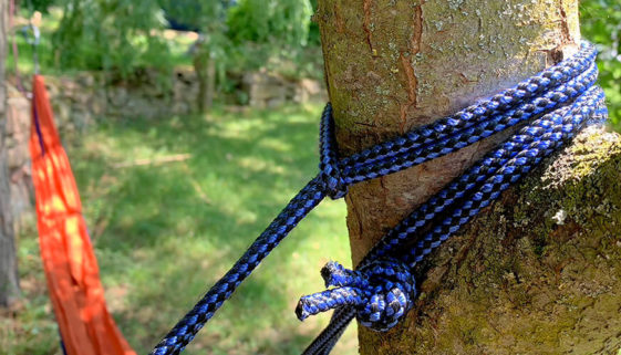 Hängemattenbefestigung am Baum