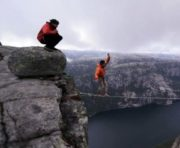 Highline in Norwegen: Flight of the Frenchies